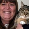 როდესაც აგრესიული კატა ალერსიან ცხოველად გადაიქცა, პატრონი მიხვდა, რომ რაღაც საშინელი ხდებოდა