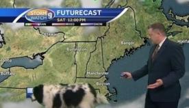 კადრში შემთხვევით გამოჩენილმა ძაღლმა ამინდის პროგნოზის წამყვანი დააბნია (სახალისო ვიდეო)