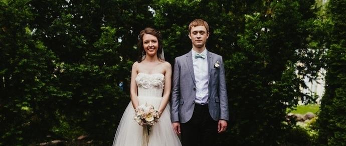 ახალი საქორწილო ტრადიცია: წყვილები სტუმრებს ყვავილების მაგივრად მეტად უცნაური საჩუქრის მიტანას სთხოვენ