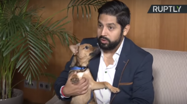 პერუელი ფეხბურთის გულშემატკივარი რუსეთში, თავისი გადარჩენილი უპატრონო ძაღლის წასაყვანად დაბრუნდა