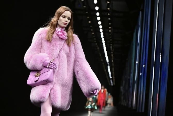 Gucci-ის მოდის სახლმა ახალ კოლექციაში ნატურალური ბეწვის გამოყენებაზე უარი თქვა