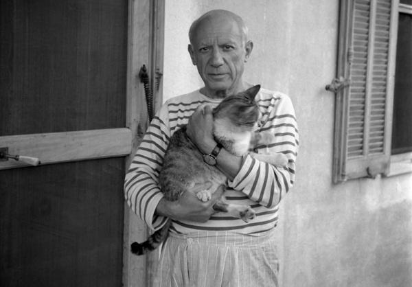 ხელოვანი ადამიანები და მათი კატები (+ფოტო)