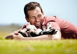 მეცნიერებმა ძაღლისა და ადამიანის სიახლოვის მიზეზი იპოვეს